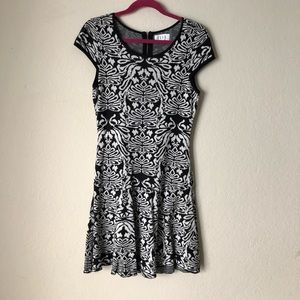 Elle Black and white knit dress